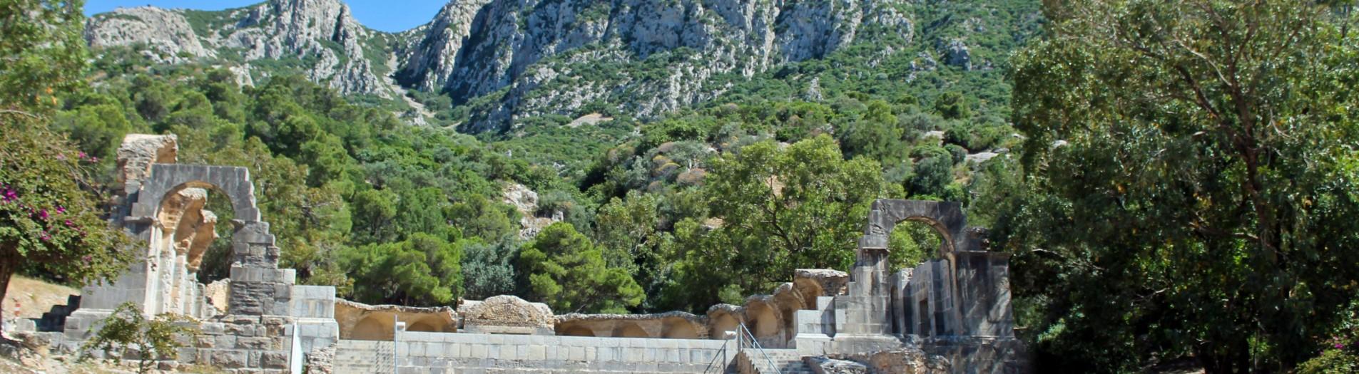 Temple des eaux Zaghouan et l'aqueduc