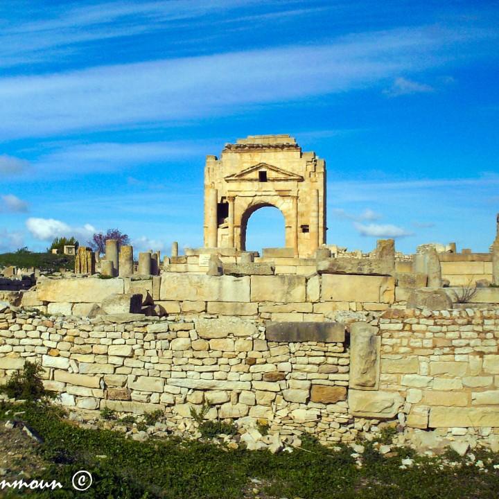 الموقع الأثري بمكثر