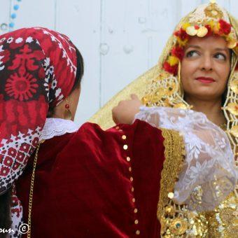 Le costume traditionnel Tunisien dans la médina de Sfax