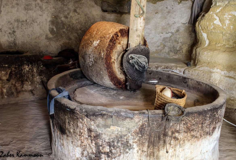 Un broyeur dans une huilerie de Chénini Tataouine