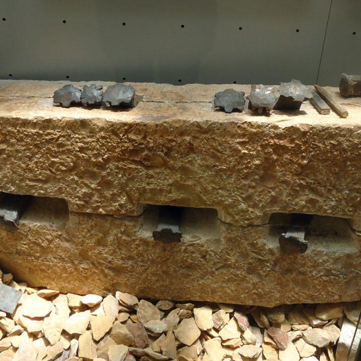 La roche au service de l'histoire